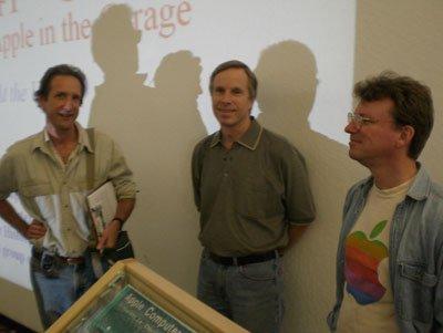 Randy Wigginton (ở giữa)