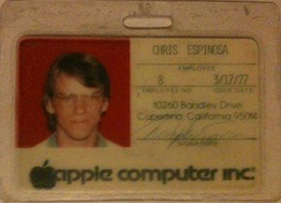 Chris Espiona làm việc bán thời gian tại Apple khi ông 14 tuổi.