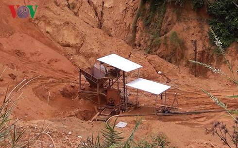 Hiện trường thăm dò vàng của Công ty CP Khoáng sản Đông Trường Sơn.