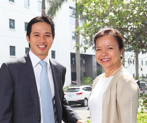 Bà Mai Thanh và con trai Thái Bình. Ảnh: Quý Hòa