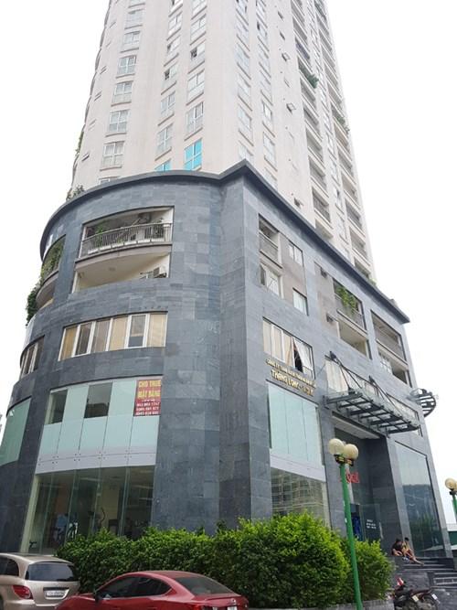 Dù tự đi nộp hồ sơ nhưng cư dân chung cư Thăng Long (Trung Kính, Cầu Giấy, Hà Nội) vẫn bị trả về vì chủ đầu tư không cung cấp hồ sơ hoàn công.