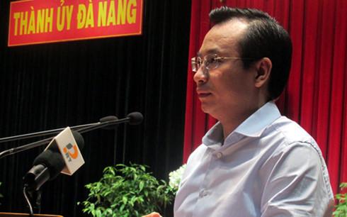 Bí thư Thành ủy Đà Nẵng Nguyễn Xuân Anh phát biểu tại Hội nghị Thành ủy Đà Nẵng mở rộng.
