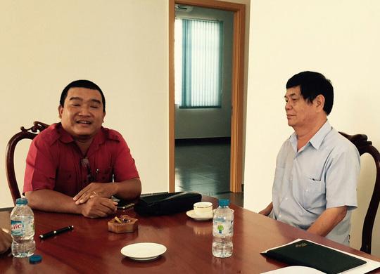 Nguyên Phó trưởng Ban Chỉ đạo Tây Nam Bộ Nguyễn Phong Quang (phải) cho rằng Vũ Minh Hoàng là người giỏi nhiều ngoại ngữ, tốt nghiệp đại học loại xuất sắc nên mới tuyển dụng không qua thi tuyển. Ảnh: LÊ KHÁNH