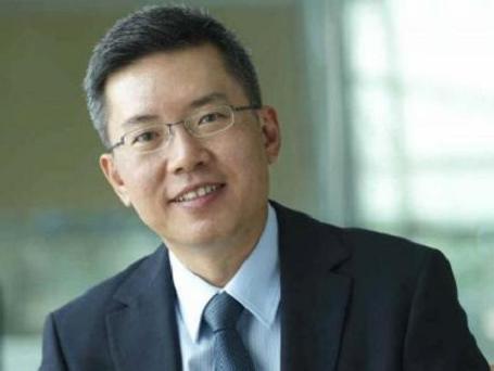 """Ông Ang Wee Gee – CEO Keppel Land """"ngoài nhà ở cao cấp, phần lớn nhu cầu của người dân là nhà vừa túi tiền, Keppel Land sẽ cùng hợp tác với đối tác trong nước phát triển nhà ở giá rẻ tại một số địa điểm không quá xa trung tâm."""""""