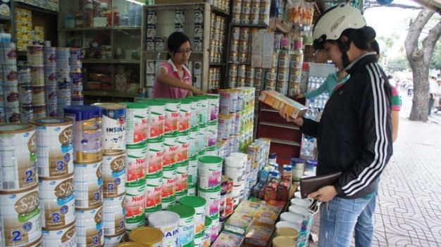 Các địa phương lên dây cót quản lý giá sữa trẻ dưới 6 tuổi. Ảnh minh hoạ.