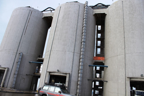 Tổ hợp máy tại Trung tâm nhiệt điện Duyên Hải.