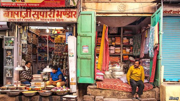 Các cửa hàng nhỏ tại Ấn Độ là những khách hàng quen thuộc của tín dụng nhỏ.