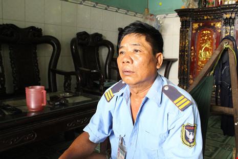 Ông Nguyễn Văn Đậu (phường An Lạc) ấm ức khi căn nhà được xây sau khi giải tỏa đang đứng trước tình cảnh sẽ phải tháo dỡ khi xây âu thuyền. Ảnh: LÊ THOA