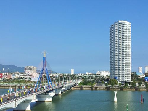 Cầu sông Hàn - một biểu tượng của TP. Đà Nẵng hiện đại. Ảnh: VGP/Minh Hùng