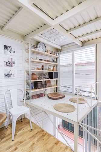 Việc sơn trắng lên các vật liệu còn có vai trò quan trọng trong việc cách nhiệt, giữ mát cho tất cả các phòng trong ngôi nhà.