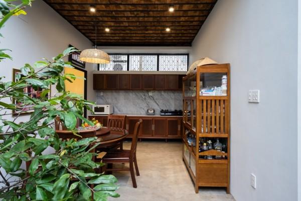 Góc bếp rất đơn giản, gần gũi nhưng không kém phần tiện nghi và hiện đại.