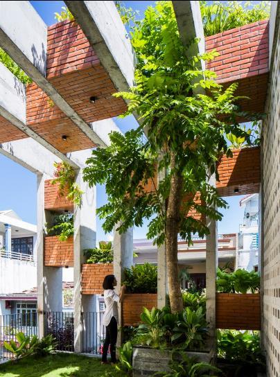 Những khu vườn nhỏ là khu vực lý tưởng giúp lọc không khí và làm mát ngôi nhà.