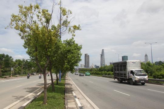 Cận cảnh Phố Đông Sài Gòn sáng 2-9 - Ảnh 4.