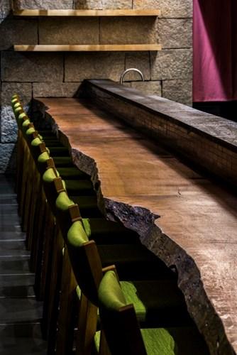 photo 6 1478510893978 Ngắm nhìn cận cảnh nhà hàng có nội thất gỗ độc đáo ở TP. HCM