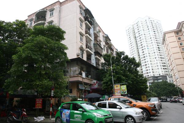 Hình ảnh nhếch nhác này đã làm xấu đi rất nhiều bộ mặt của khu đô thị được xem là hiện đại của Hà Nội.