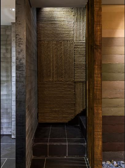 photo 8 1478510894032 Ngắm nhìn cận cảnh nhà hàng có nội thất gỗ độc đáo ở TP. HCM