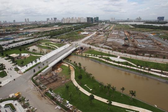 Cận cảnh Phố Đông Sài Gòn sáng 2-9 - Ảnh 9.