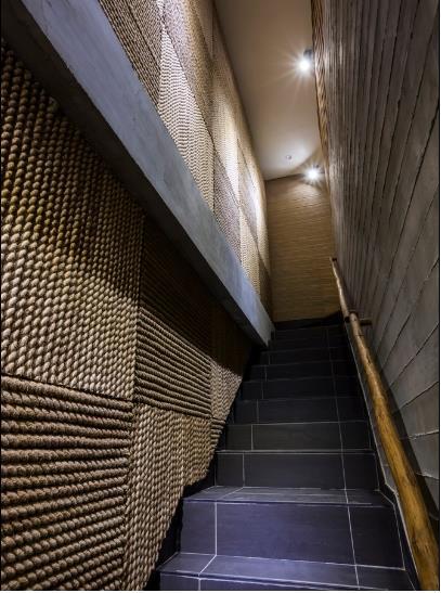 photo 9 1478510894642 Ngắm nhìn cận cảnh nhà hàng có nội thất gỗ độc đáo ở TP. HCM