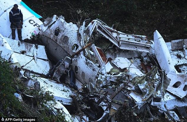 Hiện trường vụ tai nạn thảm khốc. Ảnh: AFP