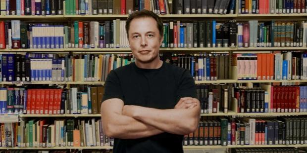 Từ thời niên thiếu, Elon Musk đã đọc rất nhiều sách thuộc các lĩnh vực khác nhau.