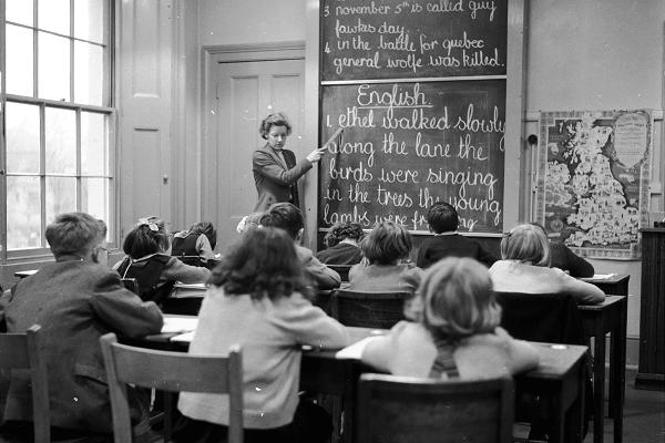 Không trường học nào dạy thế hệ trẻ cách làm giàu.