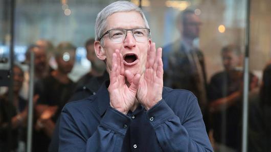 CEO Tim Cook, người thay thế vị trí của Steve Jobs ở Apple.