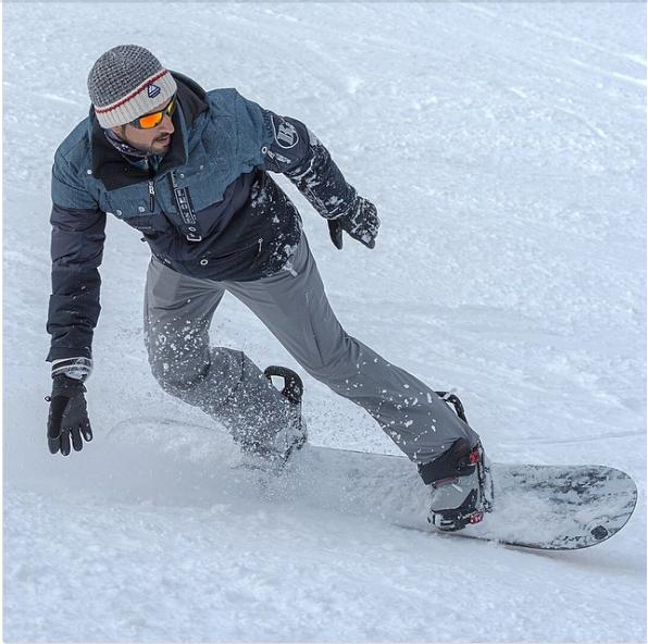 Trượt tuyết...