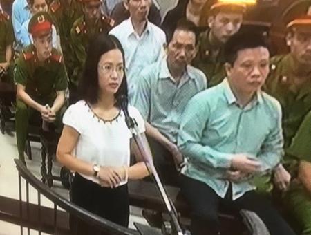 Phiên tòa sáng 16/9: Luật sư kiến nghị chỉ xử lý hành chính với Nguyễn Thị Nga và Nguyễn Hoài Nam - Ảnh 1.