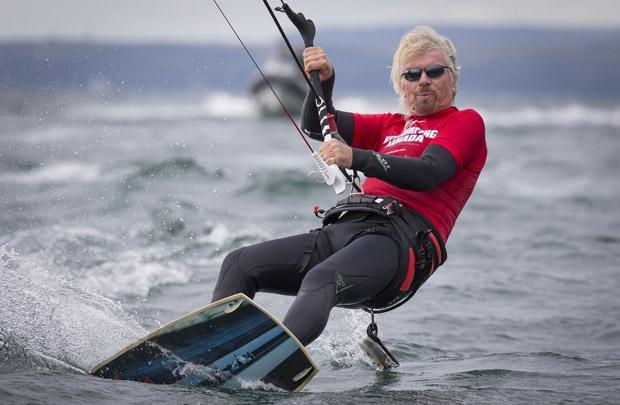 Richard Branson là một tỷ phú nổi tiếng biết cách tận hưởng cuộc sống.