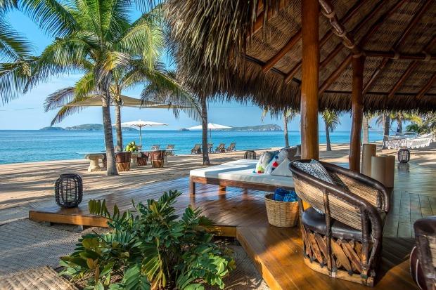 Các căn biệt thự của Las Rosadas trải dài dọc theo bờ biển với thiết kế hiện đại, sang trọng đón nắng, gió tự nhiên.