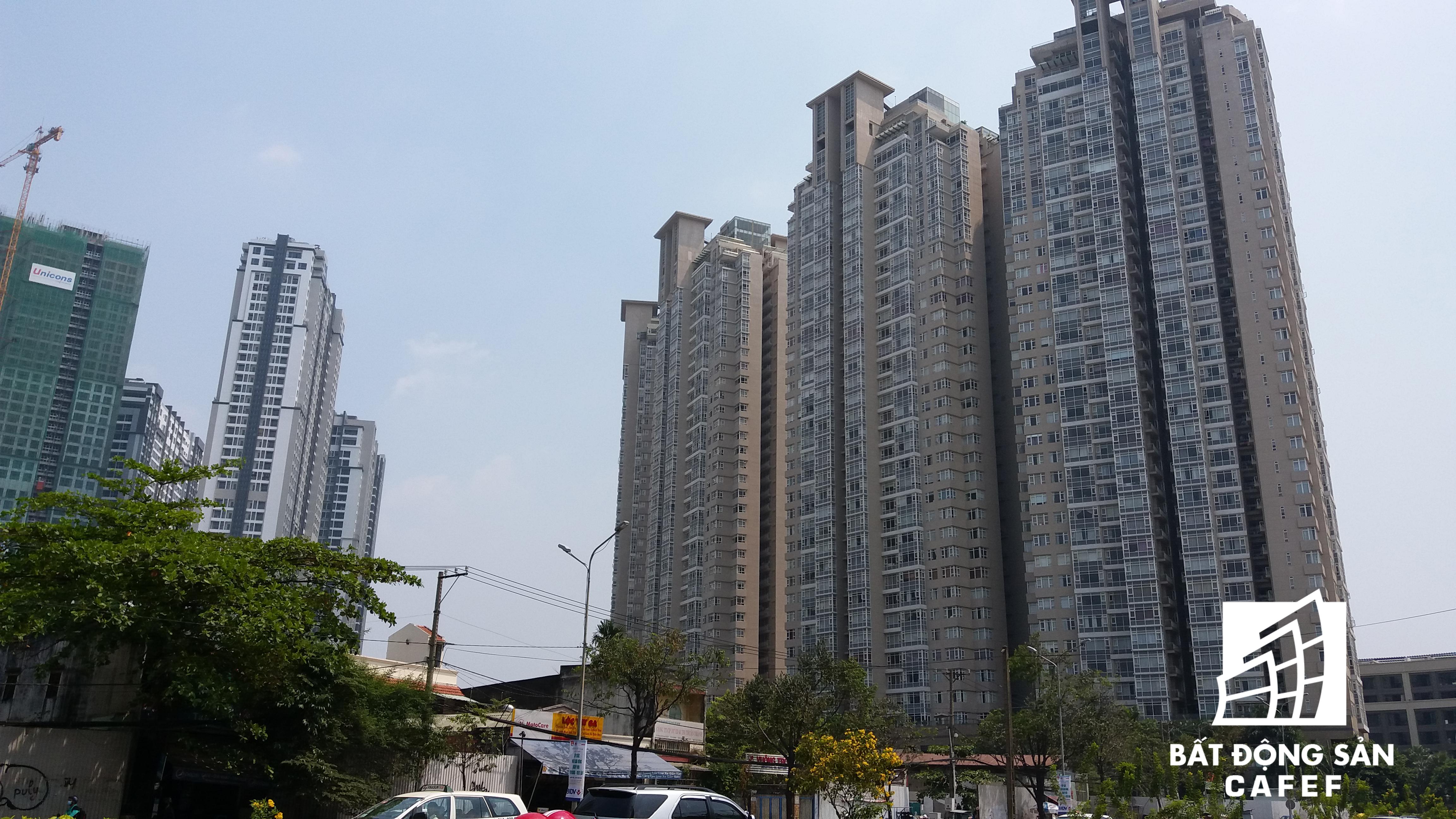 Cao ốc cao tầng đang đua nhau mọc lên trên cung đường Nguyễn Hữu Cảnh, tạo bộ mặt mới cho một đô thị hiện đại ở khu vực này.