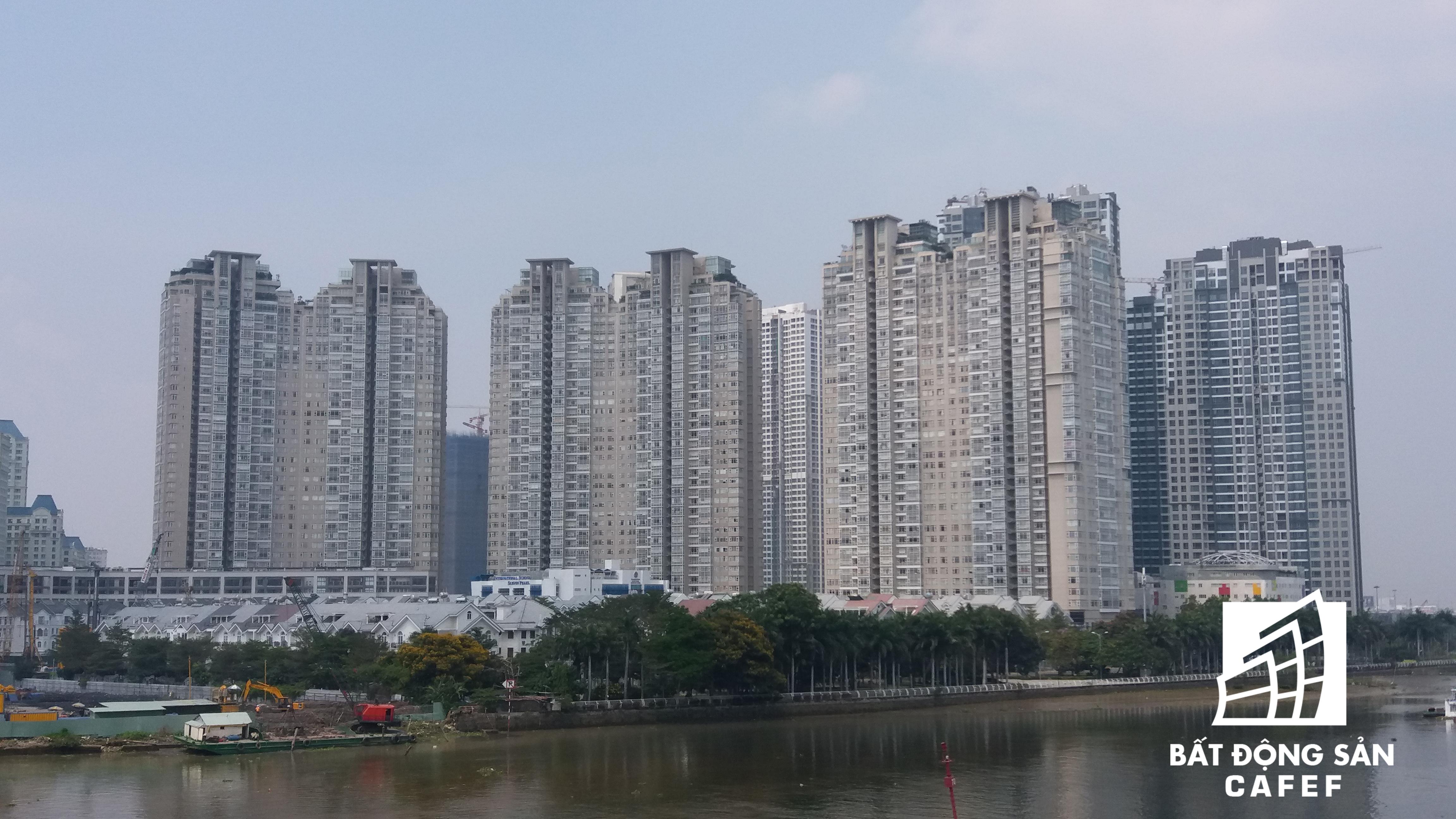 Nguyễn Hữu Cảnh nhìn từ hướng cầu Thủ Thiêm 1, kết nối rất thuận lợi với Khu đô thị mới Thủ Thiêm.