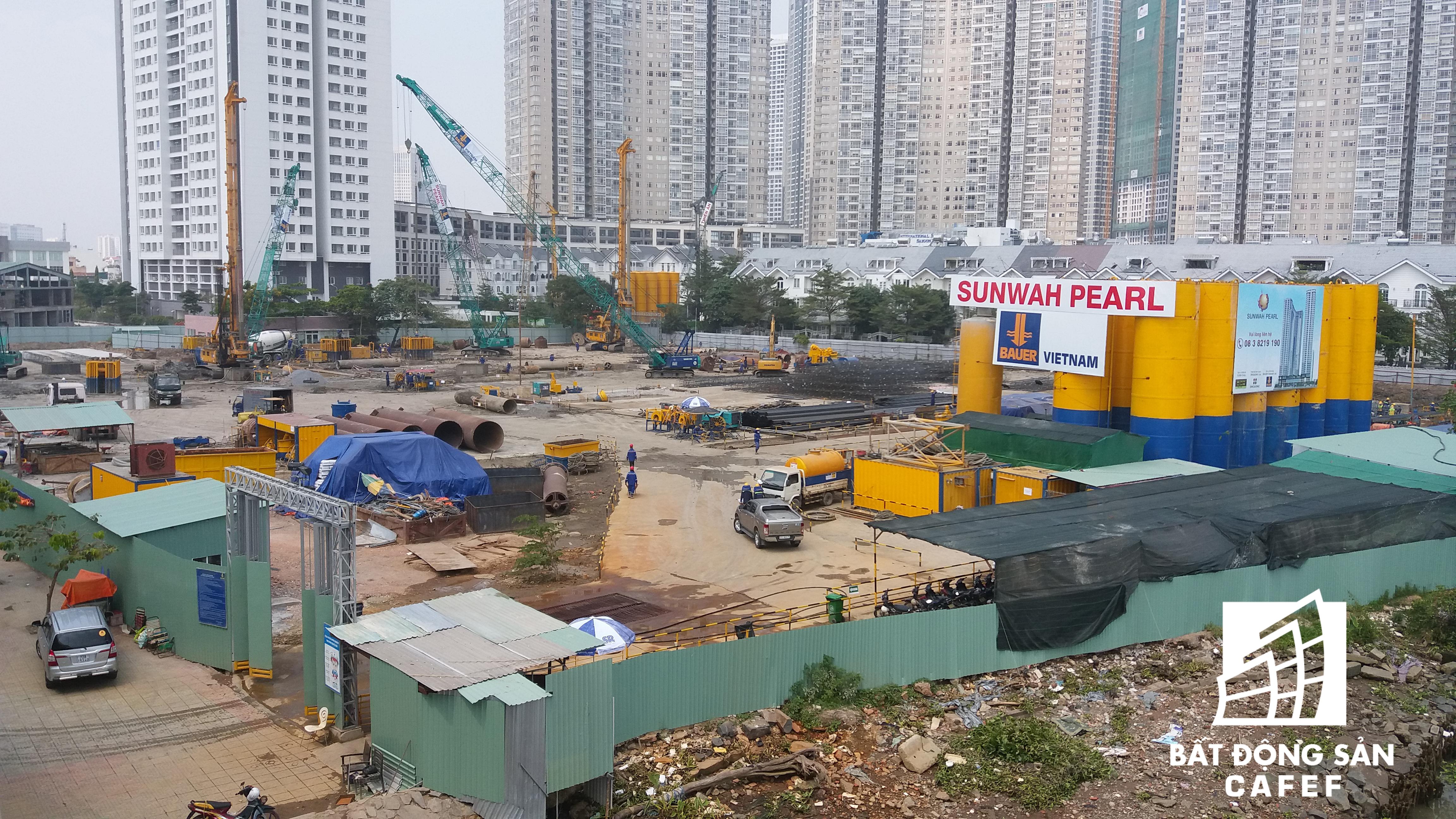 Sun Wah Pearl là một trong loạt dự án mới đang trong quá trình xây dựng móng hầm.