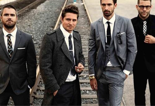 Kẹp cà vạt là món đồ nhỏ những sự tinh tế rất cao.