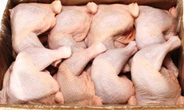 Thịt gà đông lạnh được các doanh nghiệp khai báo với mức giá nhập chỉ khoảng 2.000 đồng/kg