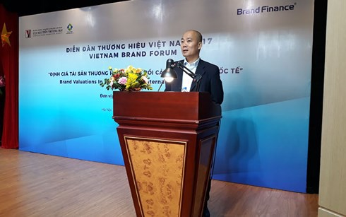 Tại Diễn đàn thương hiệu Việt Nam, Brand Finance công bố Top 50 thương hiệu Việt Nam với thứ tự 5 vị trí đầu tiên là Viettel, Vianmilk, VNPT, Vinhomes, Sabeco. Ảnh: VOV.