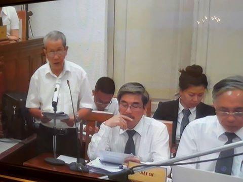 Phiên tòa chiều 22/9: VKS đề nghị miễn hình phạt cho 4 Giám đốc Chi nhánh/PGD và Hoàng Thị Hồng Tứ được hưởng án treo - Ảnh 1.