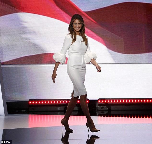 Hồi tháng 7 năm 2016, phu nhân của ông Trump gây bất ngờ cho công chúng khi xuất hiện trong chiếc váy liền màu trắng của nhãn hiệu Roksanda và phát biểu cho chiến dịch tranh cử của chồng.