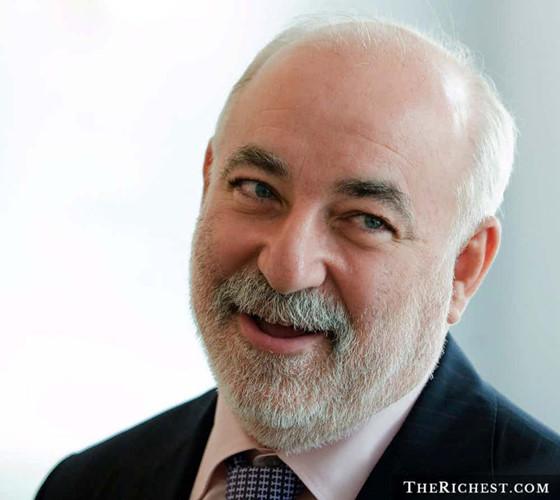 Tỷ phú Viktor Vekselberg hiện nắm giữ vai trò phó giám đốc điều hành của TNK-BP. Ông có khối tài sản ròng trị giá 15,1 tỷ USD
