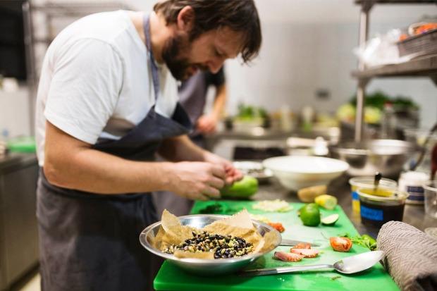 Thưởng thức tinh túy ẩm thực tại cửa hàng Noma nức tiếng của Mexico do đầu bếp lừng danh chế biến.