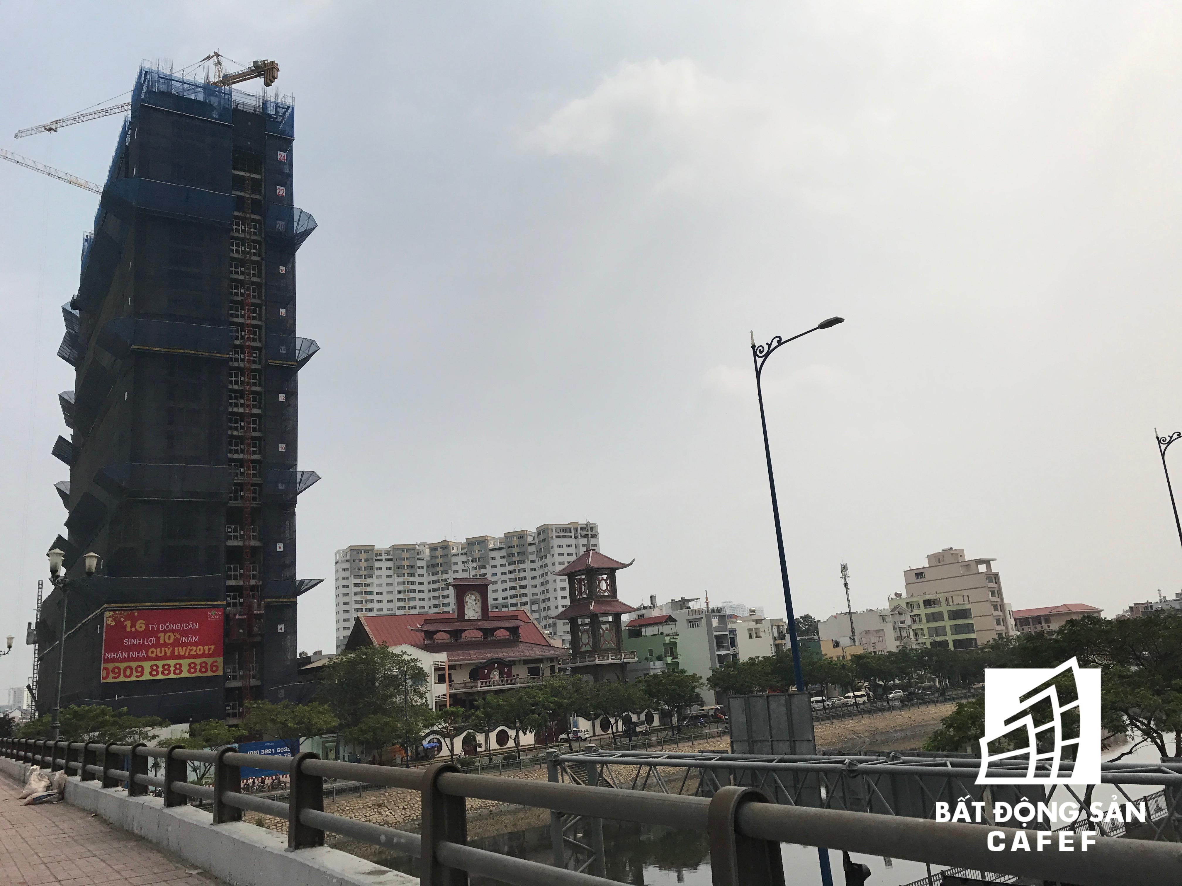 Khu phức hợp RiverGate đang thi công đến tầng 26.