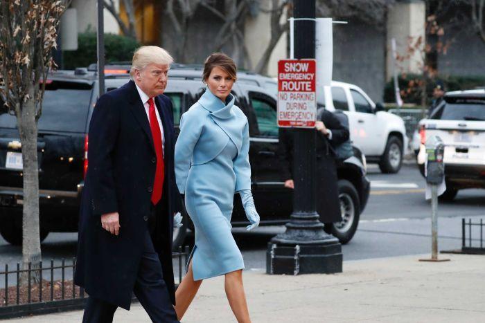 Ông Donald Trump và vợ Melania đến nhà thờ St Johns Episcopal Church