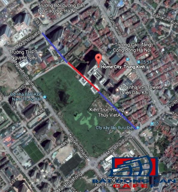Một đoạn đường trong quy hoạch 21m hiện đã đưa vào sử dụng màu đỏ, đoạn màu xanh vẫn chưa được giải phóng mặt bằng để làm đường.