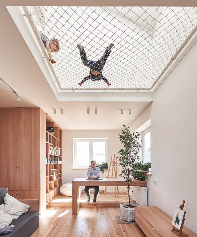 Với những gia đình có con nhỏ thì trần lưới là một lựa chọn tuyệt vời làm không gian vui chơi cho con.