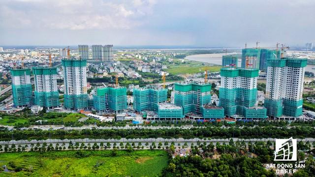 Tại trục đường Mai Chí Thọ - Đồng Văn Cống là chuỗi dự án cao cấp của tập đoàn Novaland.