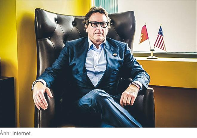 Phil Falcone - Ông trùm ngã ngựa phố Wall và canh bạc casino tỷ đô ở Việt Nam - Ảnh 9.