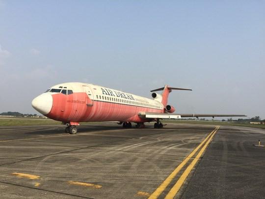 Chiếc Boeing 727 thực hiện chuyến bay cuối cùng tới Hà Nội vào ngày 30/4/2007, sau đó ngừng bay và bị bỏ rơi tại sân bay  quốc tế Nội Bài từ ngày 1/5/2007
