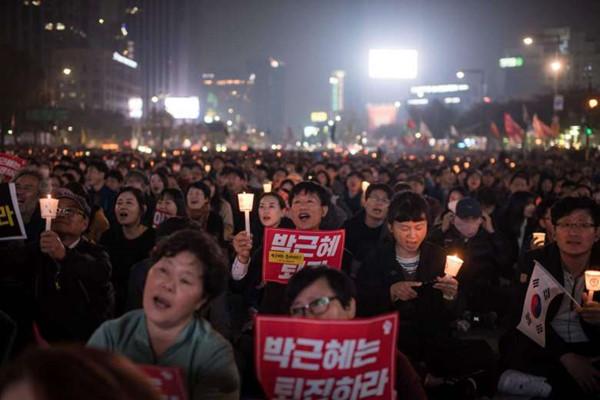 Biểu tình phản đối Tổng thống Hàn Quốc Park Geun-hye.