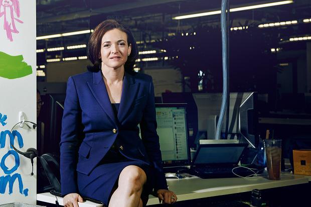 Mặc dù là giám đốc điều hành của Facebook nhưng Sheryl Sandberg thực sự không phải người quá lệ thuộc vào công nghệ.
