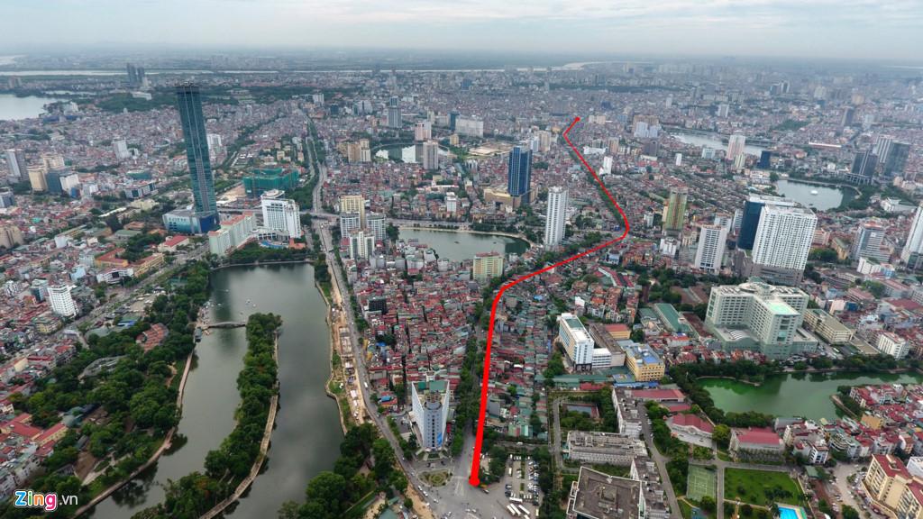 Điểm đầu của tuyến đường giao cắt với đường Cát Linh - La Thành - Yên Lãng tại Hoàng Cầu, điểm cuối tuyến đường nằm nút giao thông Voi Phục. (Ảnh Zing).